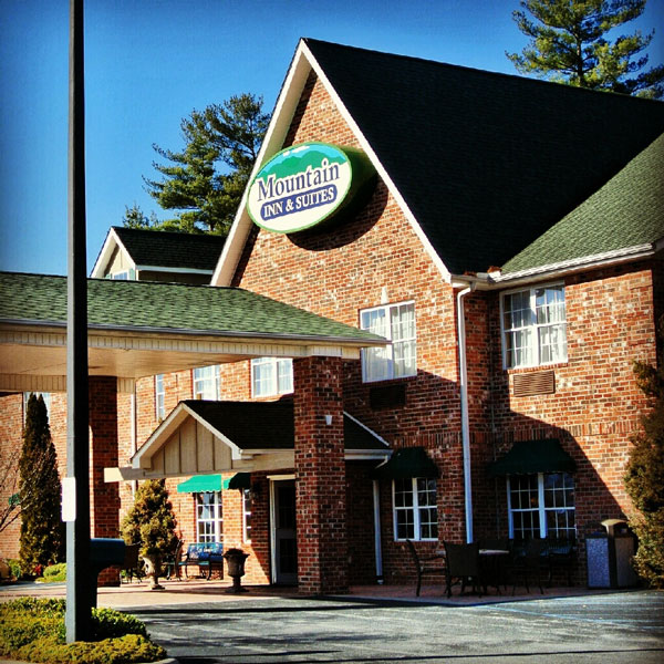 Hendersonville NC Hotels - Mountain Inn and Suites